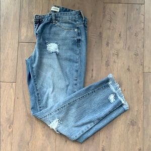 Destroyed Straight leg Jeans